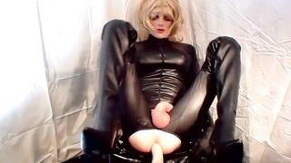 Sex machine and its latex sissy doll